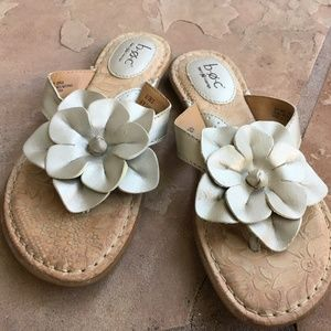 Born boc Flower Sandals Metallic Gold/Silver? 6